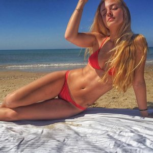 beachgirl_lara